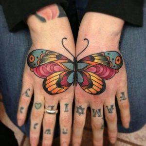 "Каково определение тату ""бабочки"" на руке?"