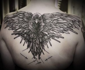 Что значит татуировка ворон и ворона?